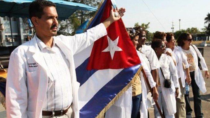 La salida de médicos cubanos agrava la rutina de improvisaciones sanitarias en el interior de Brasil